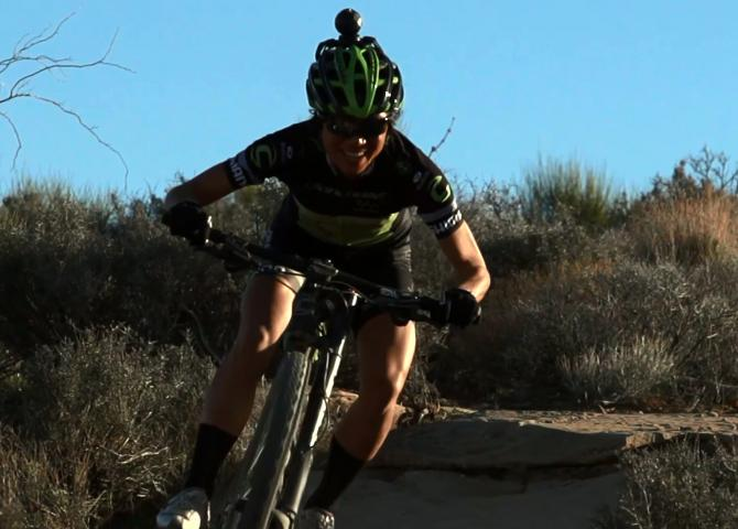 Pro MTB Rider Evelyn Dong on Women's Pit Stop Tech
